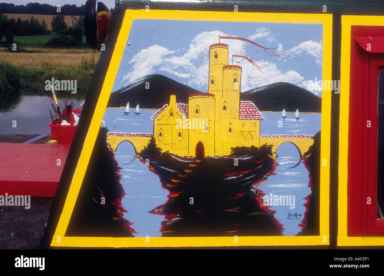 traditional castle design painted on a narrowboat kennet avon
