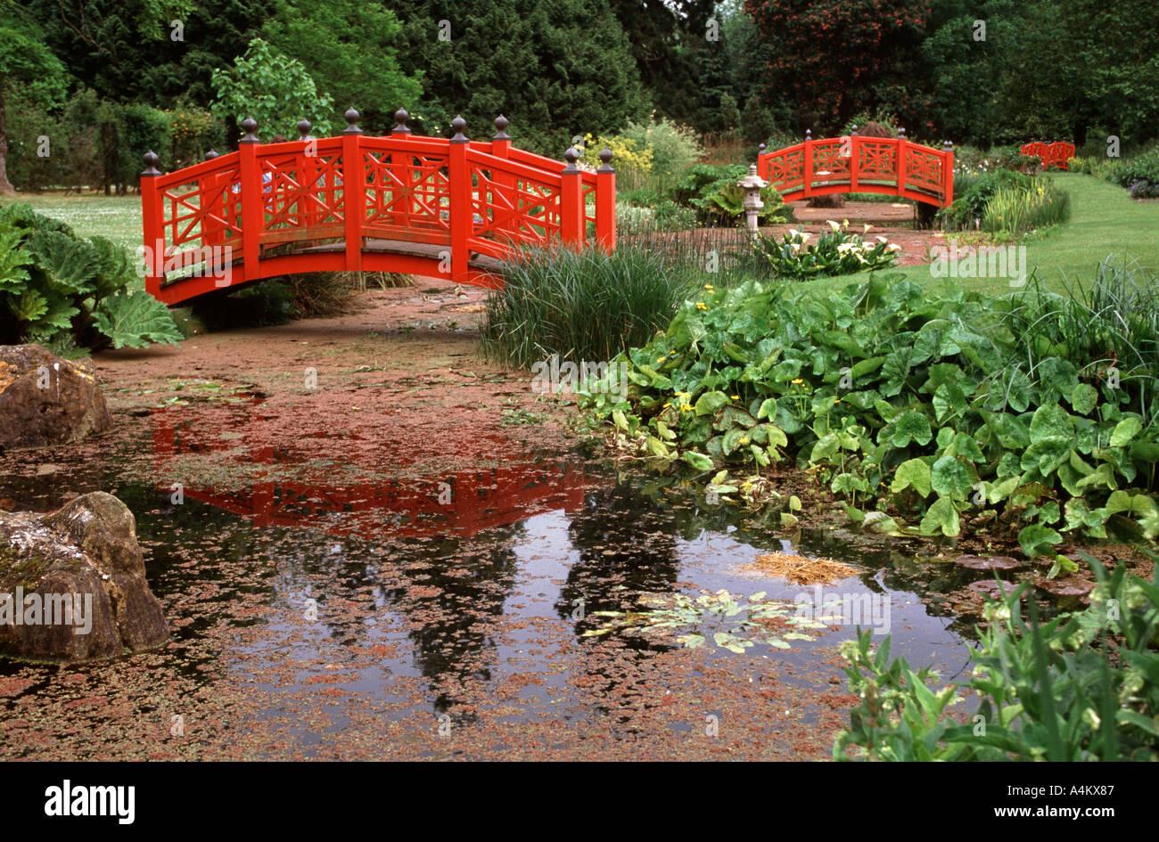 Japanese Style Garden Bridges Japanese Style Wooden Bridges In Water Gardens At Wilton House