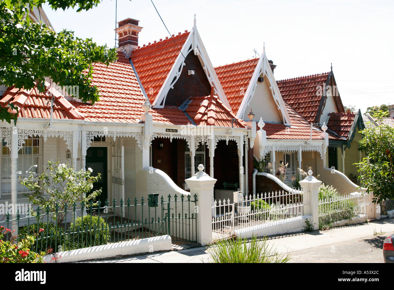 Row of victorian terrace houses in the trendy area of for Terrace homes