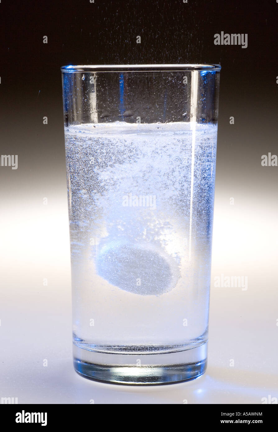 what is in an alka seltzer tablet