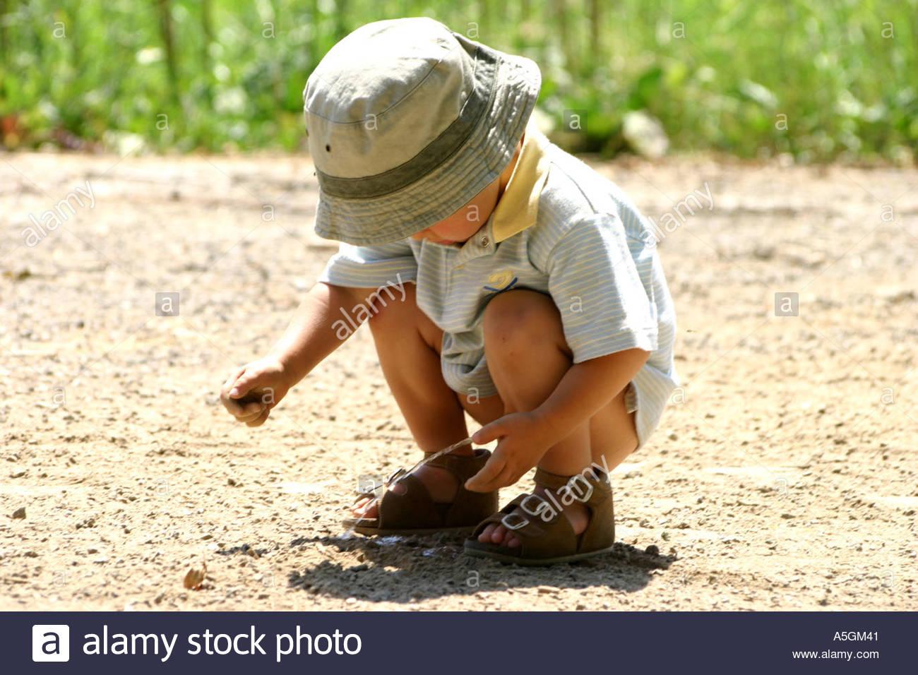 pee boy Little boy peeing