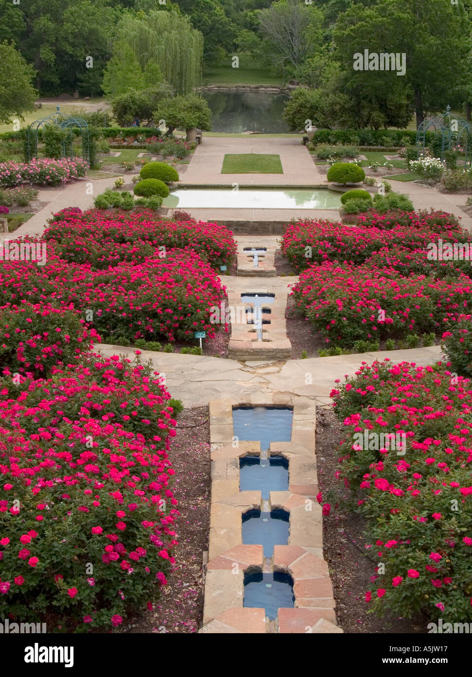 Center View Of Rose Garden Fountain And Pond Fort Worth Texas Stock Photo Royalty Free Image