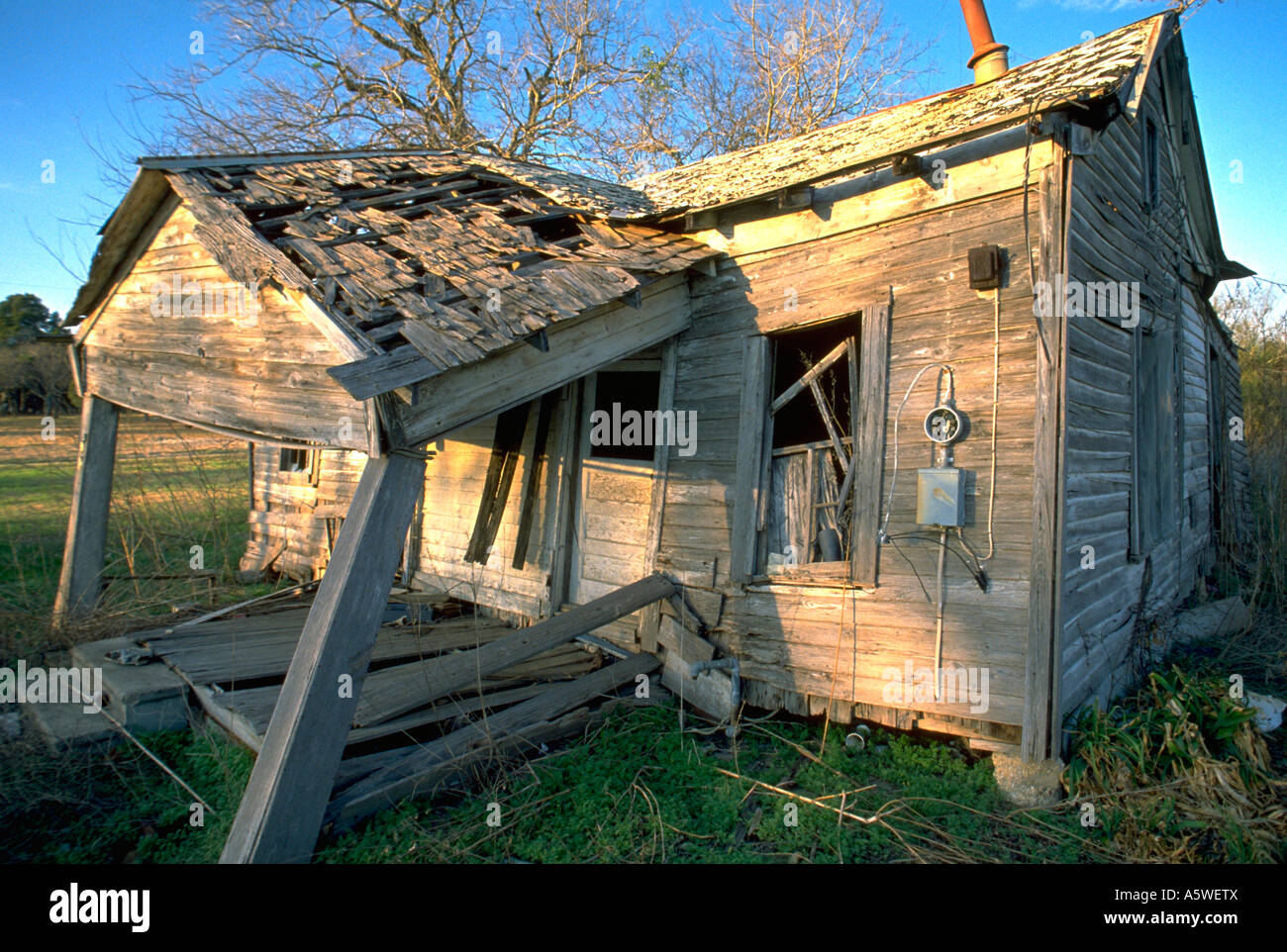 Painet hl0147 texas shack home house falling apart old for Shack homes