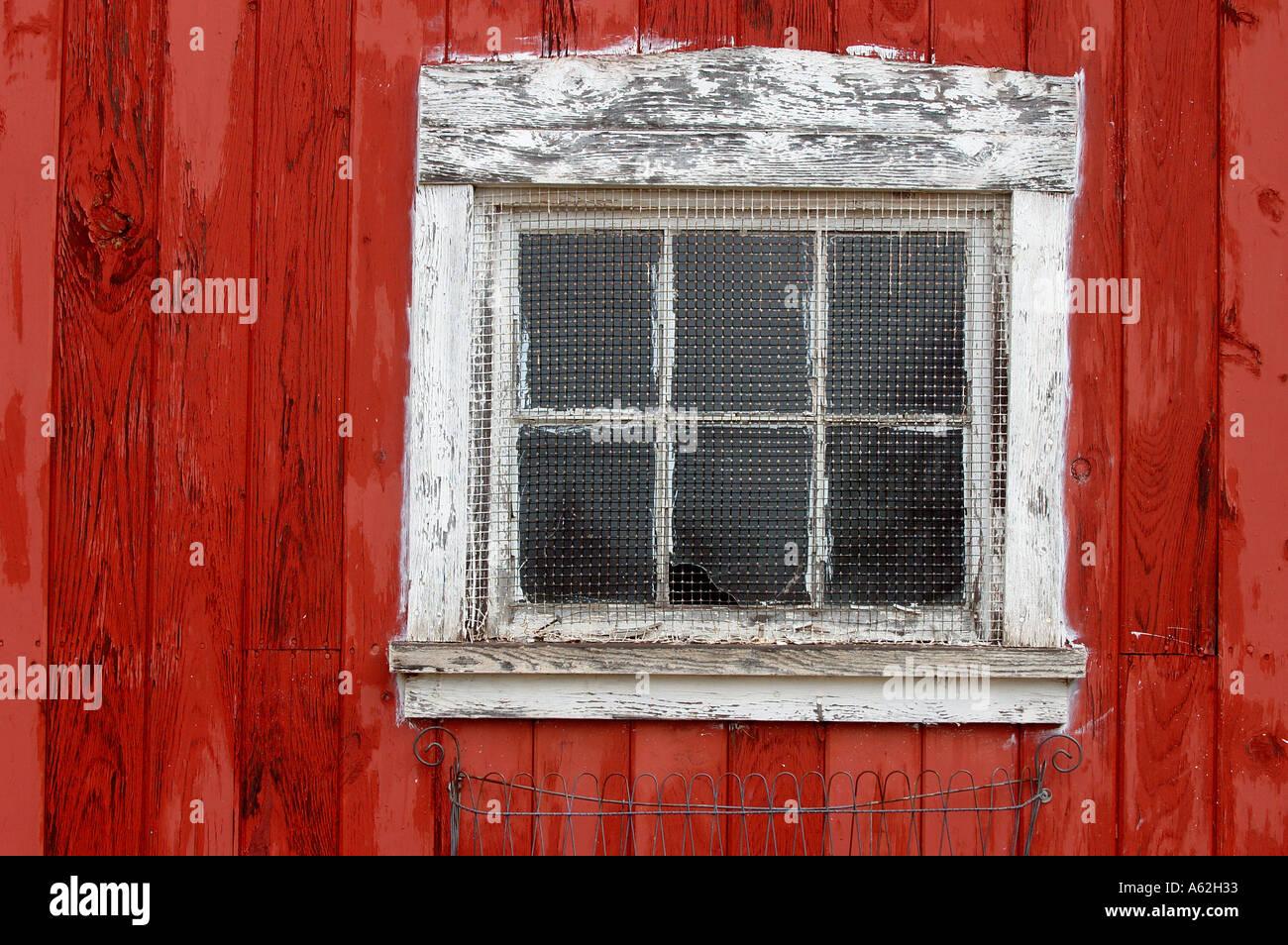 Side Of Barn Barn Side Red White Window Beat Up Barn