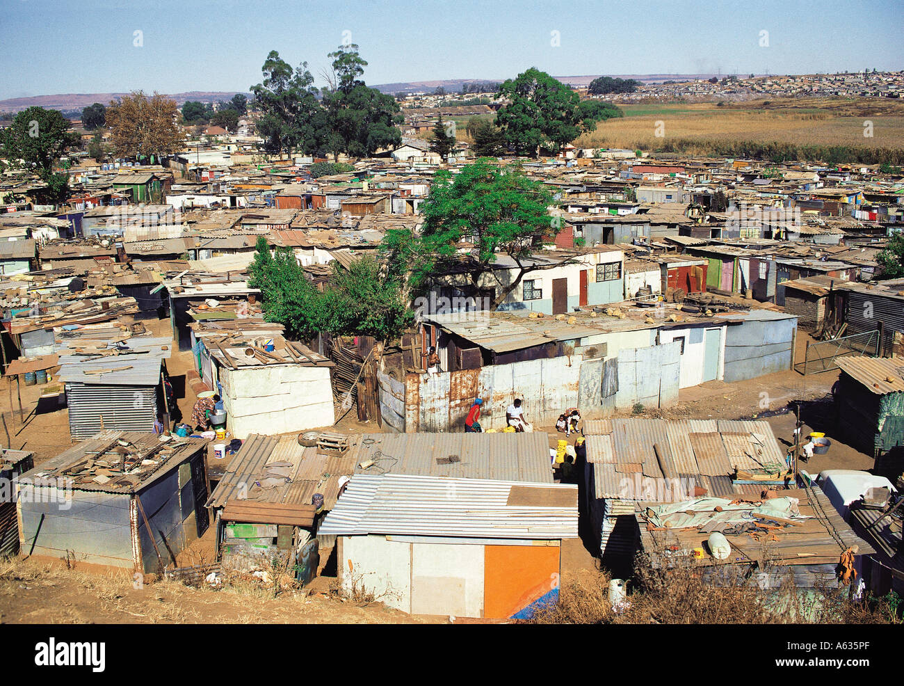 Image gallery johannesburg shanty town people for Nearby boutiques