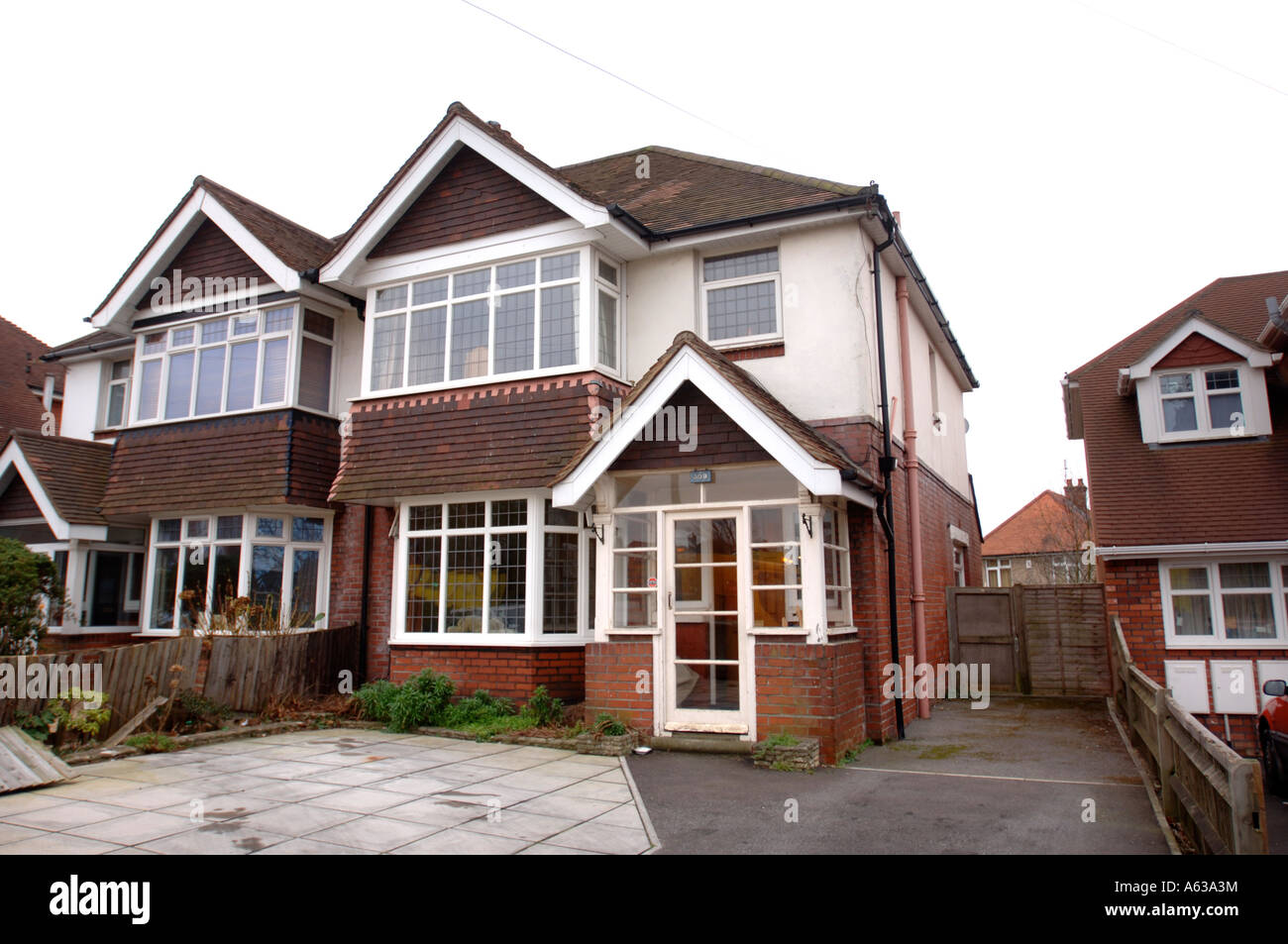 A TYPICAL SEMI DETACHED HOUSE IN A SUBURBAN STREET UK