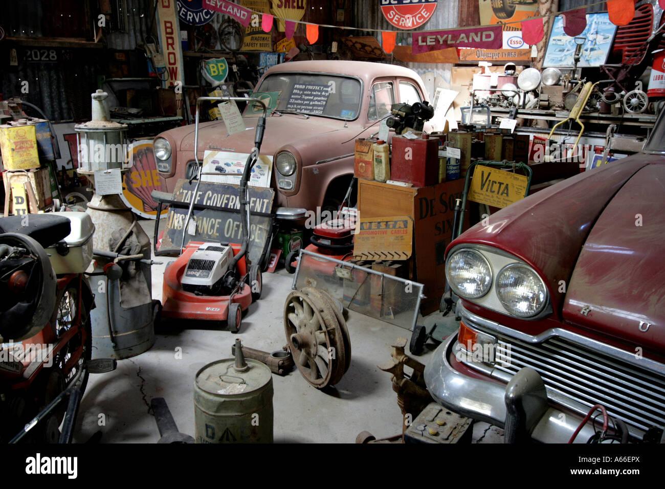 Design car repair workshop - Messy Car Repair Workshop Horizontal Bapdb10242 Stock Image