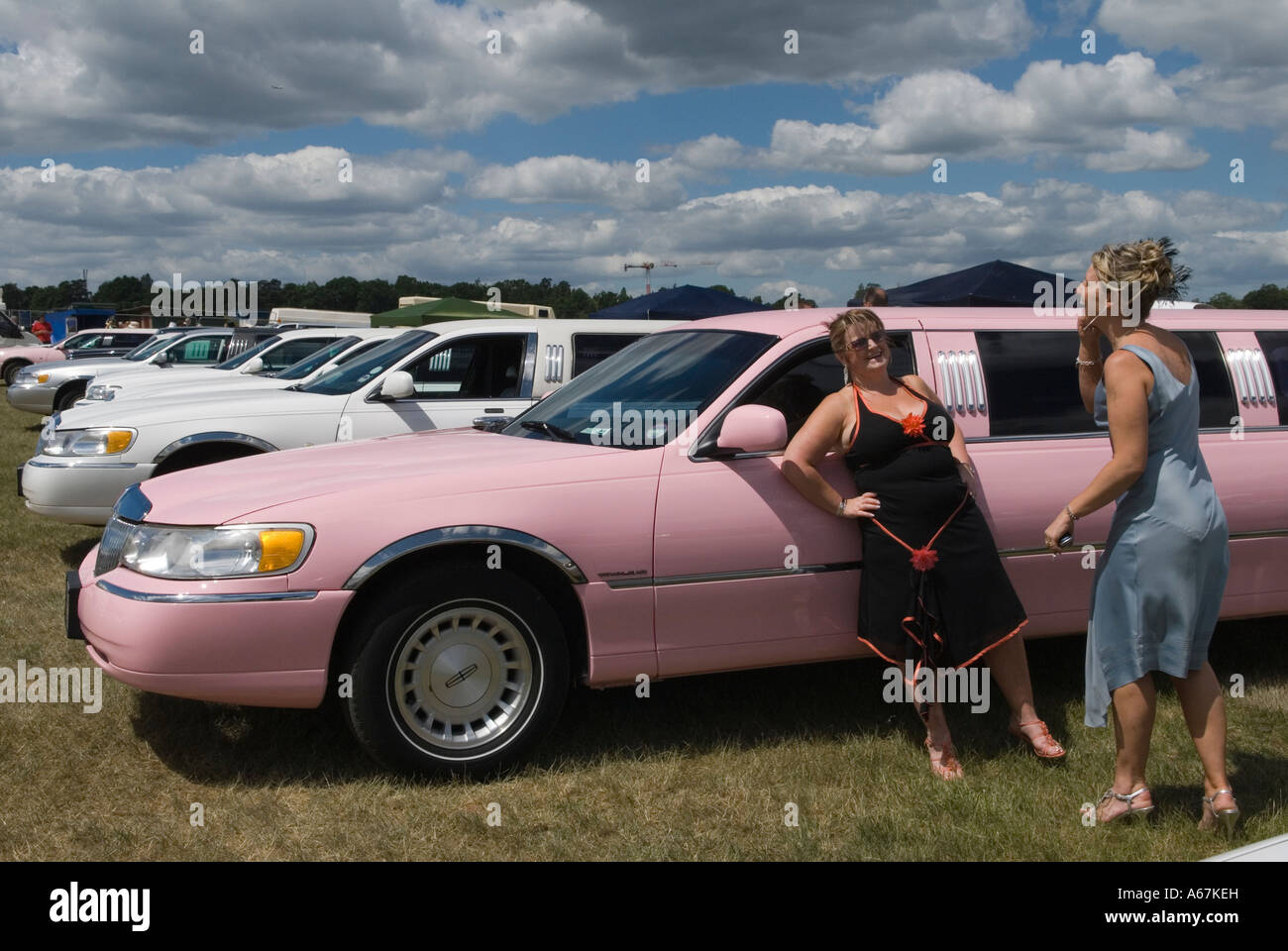 Pink Stretched Limo Car Park The Heath Horse Racing At Royal