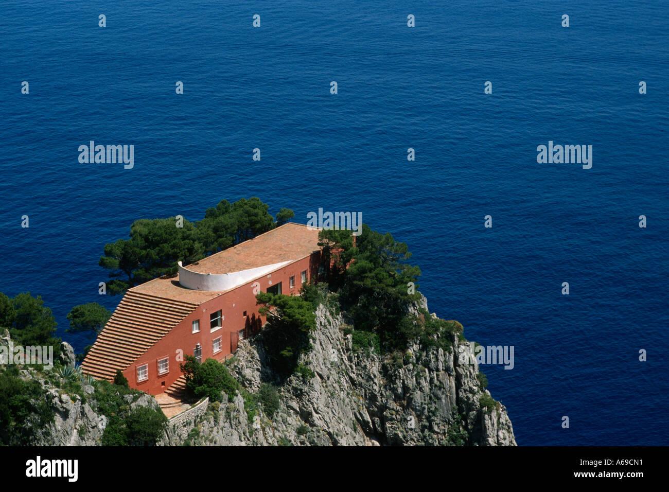 Capri italy curzio malaparte s modernist villa on punto di for Villa curzio malaparte