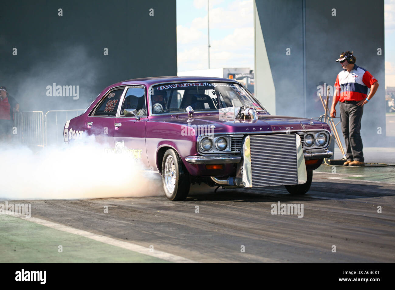 Modified And Turbocharged Chrysler Centura Car Doing Burnout At A - Cool cars doing burnouts