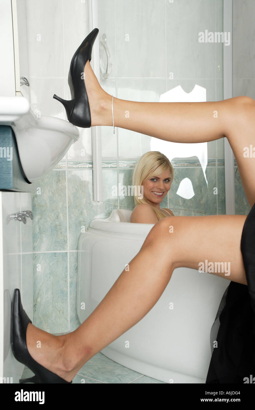 Blonde Spread Legs 33