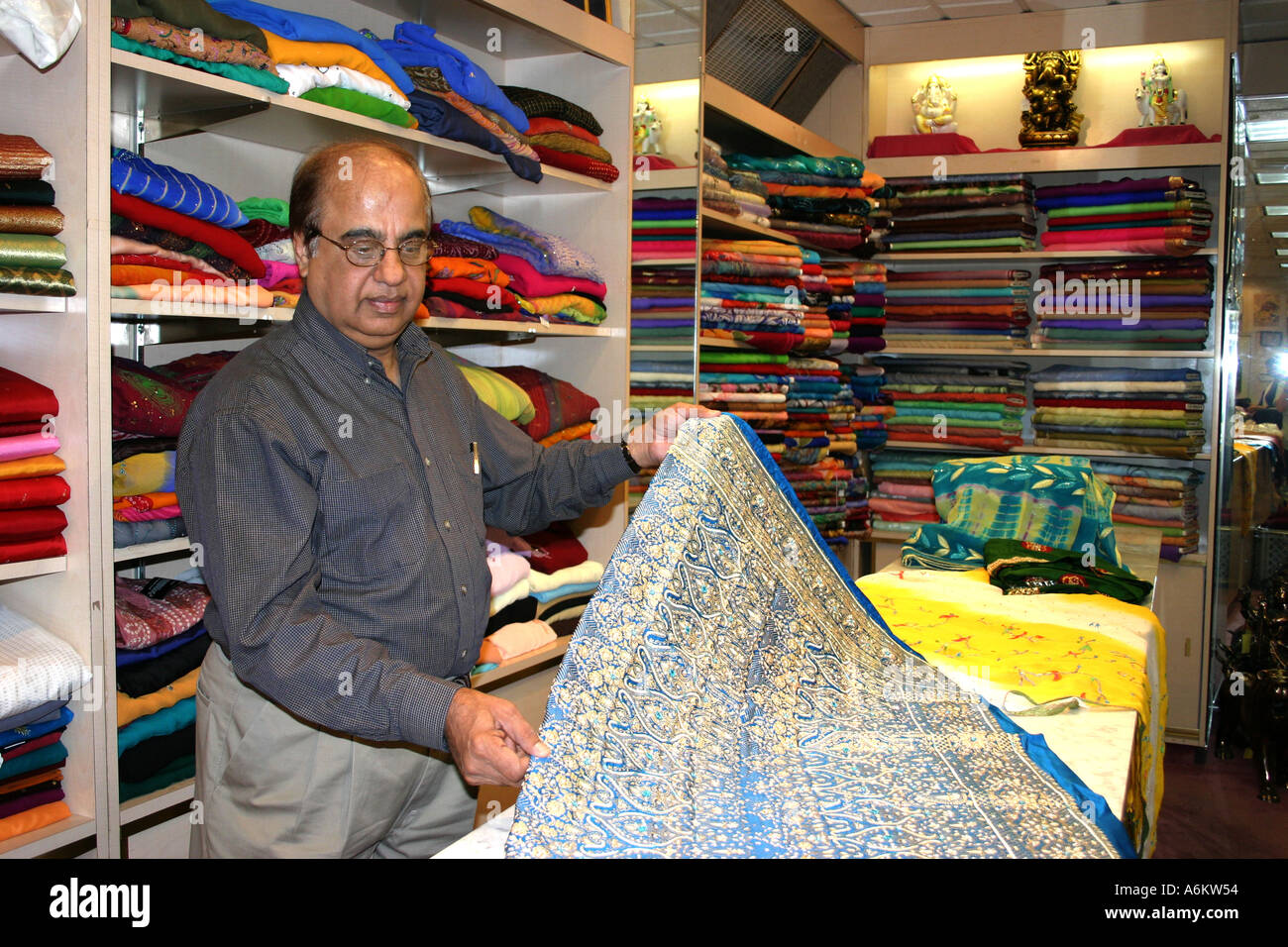 Pakistani clothing stores in chicago