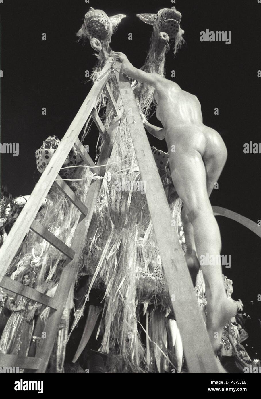 ausgefallene sexpraktiken karneval nude