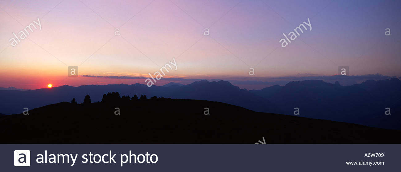 panoramic-sunset-in-summer-over-the-beau