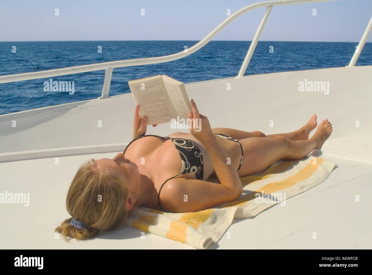 Cum On Sunbather
