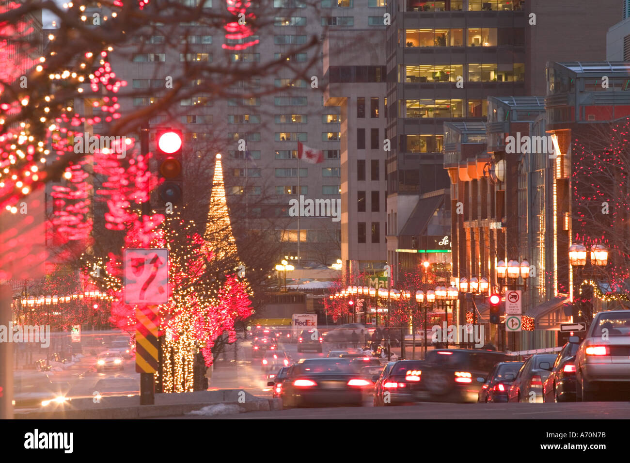 Canada quebec montreal avenue mcgill college with for Decoration quebec
