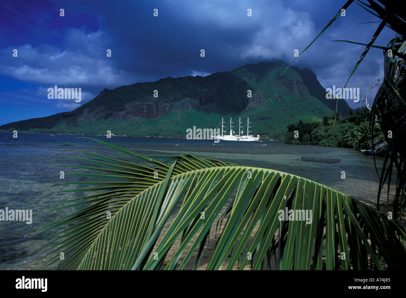 French Polynesia Moorea Opunohu Bay Cruise Ship Windsong Stock - Windsong cruise ship