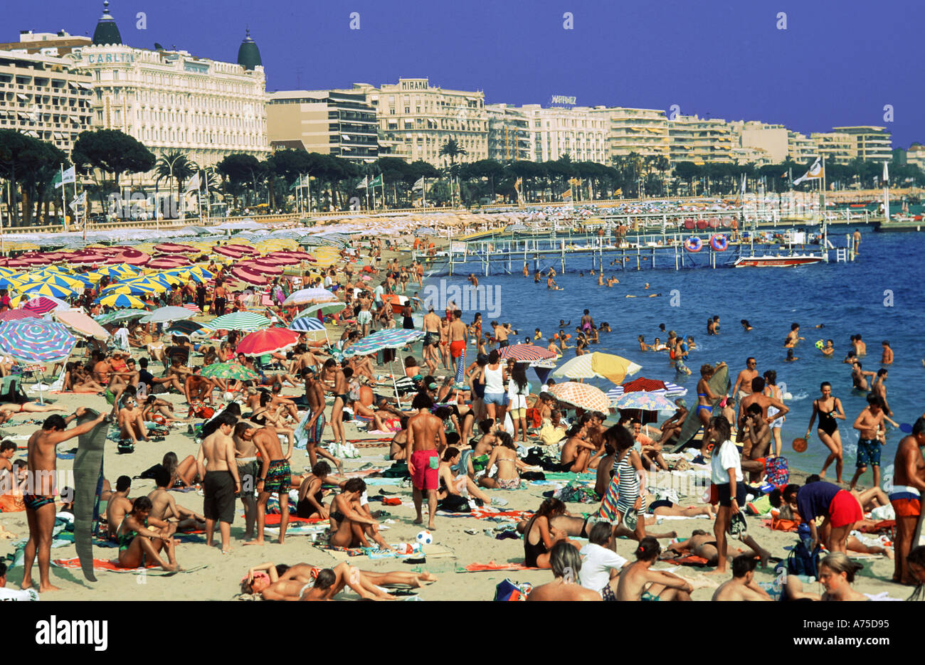 cannes-beach-french-riviera-france-A75D9