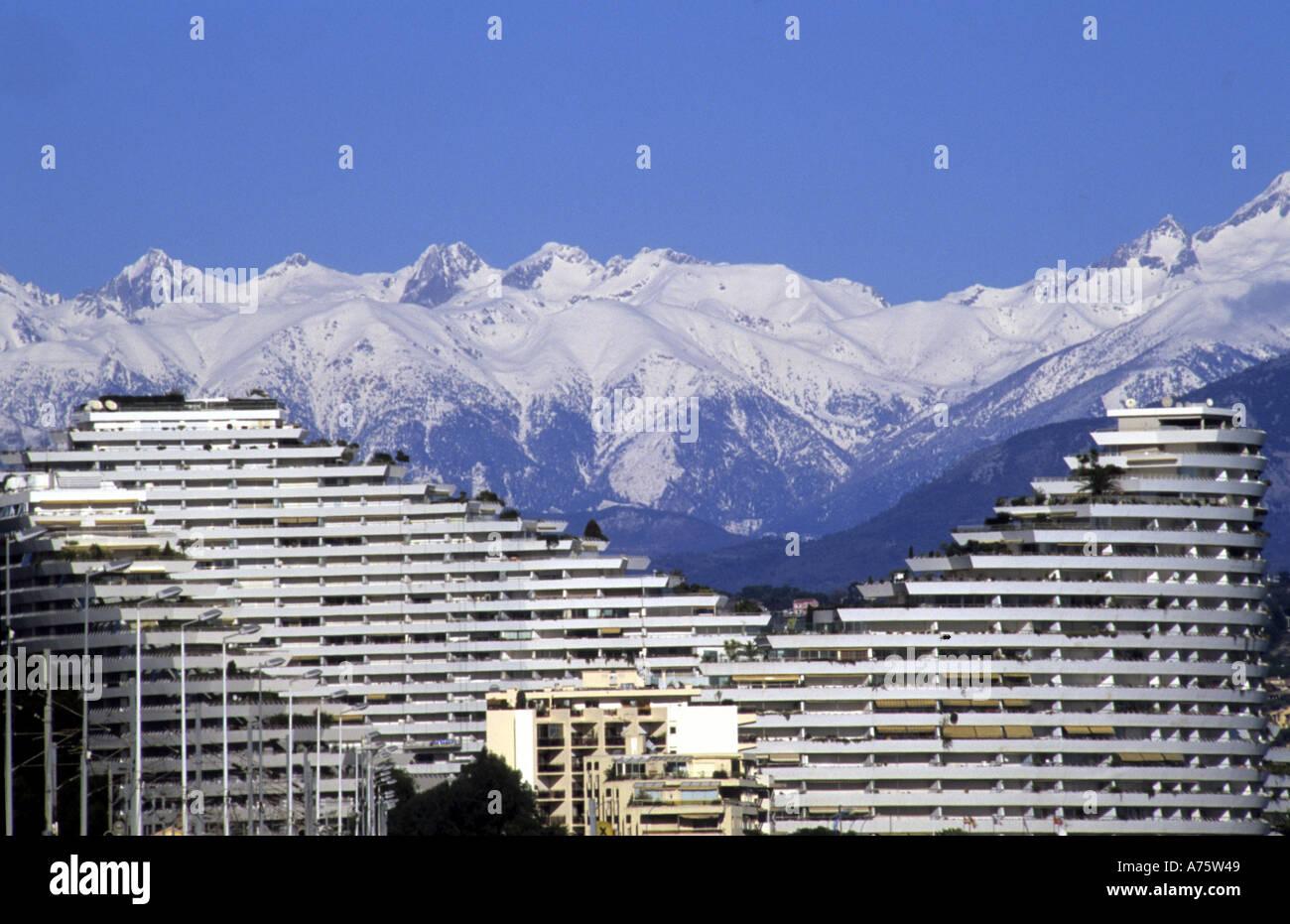 Marina baie des anges villeneuve loubet and and snow on for Piscine marina baie des anges