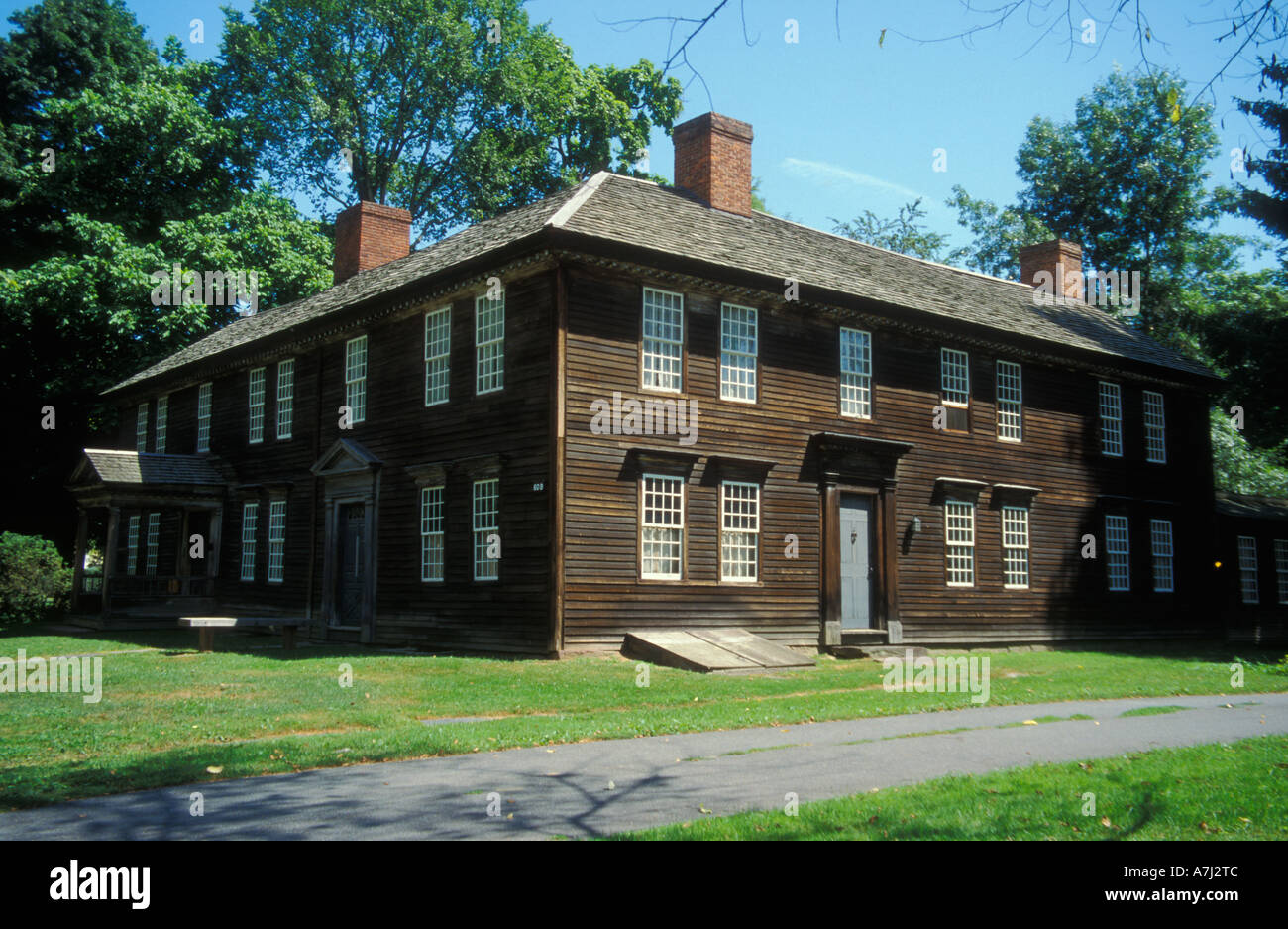 18Th Century House deerfield, massachusetts: the historic 18th century scaife house