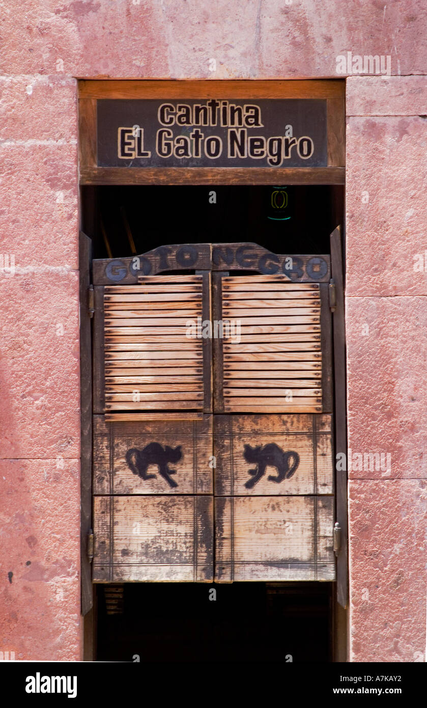 Saloon doors of the cantina El Gato Negro the black cat in SAN MIGUEL DE ALLENDE MEXICO & Saloon doors of the cantina El Gato Negro the black cat in SAN ... Pezcame.Com