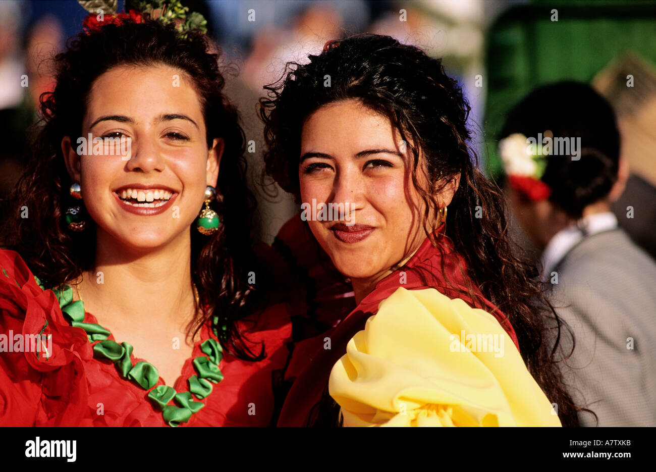 sevilla single hispanic girls Dating spanish women and single girls online join our matchmaking site to meet beautiful and lonely ladies from spain.