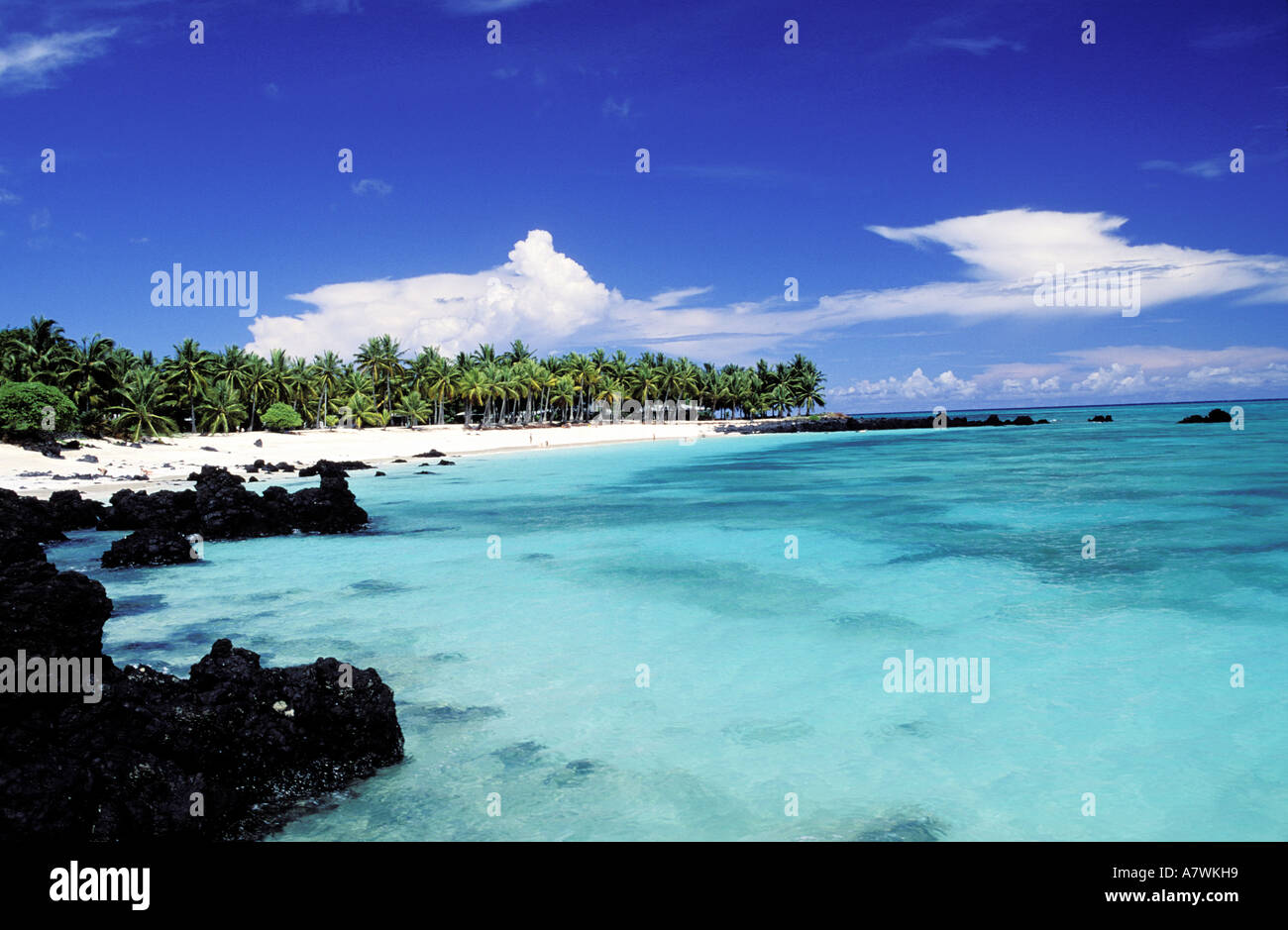 Comoros republic grande comore island maloudja beach for Grande commode