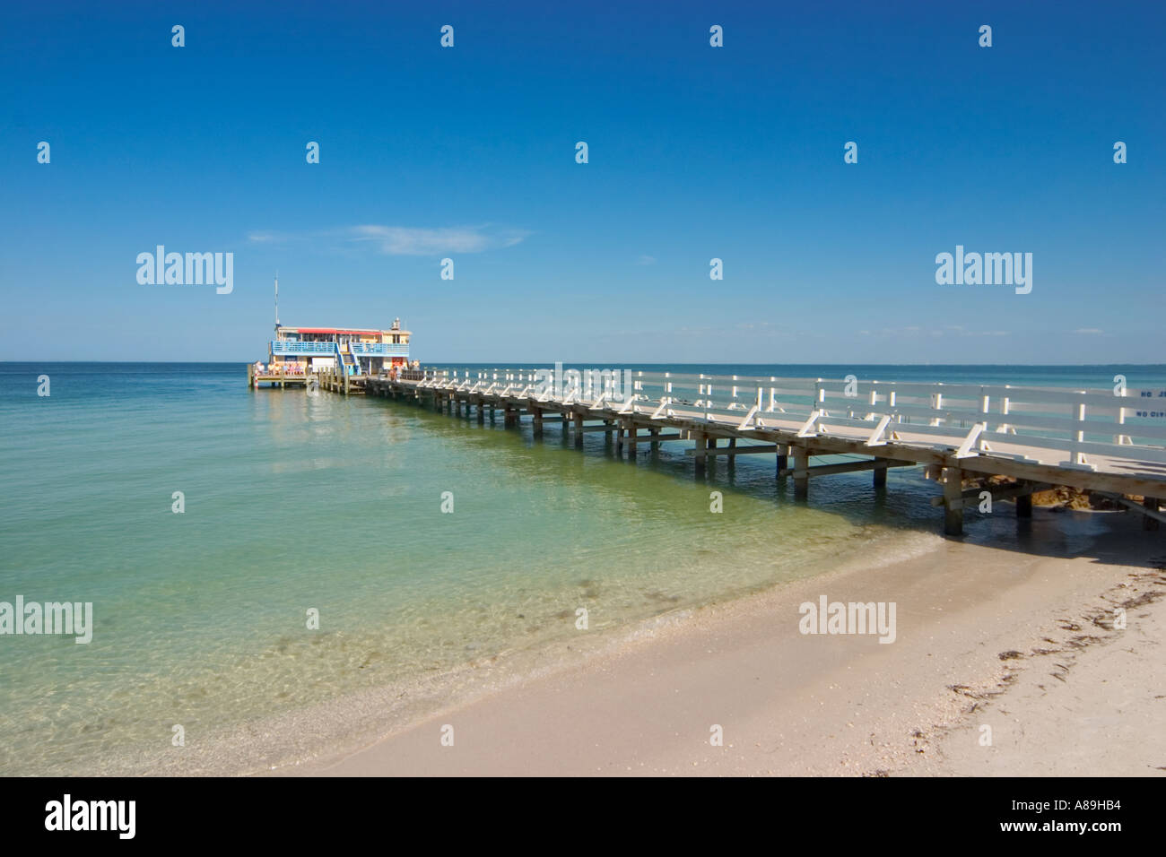 Rod and reel pier on tampa bay in anna maria on anna maria for Anna maria island fishing pier