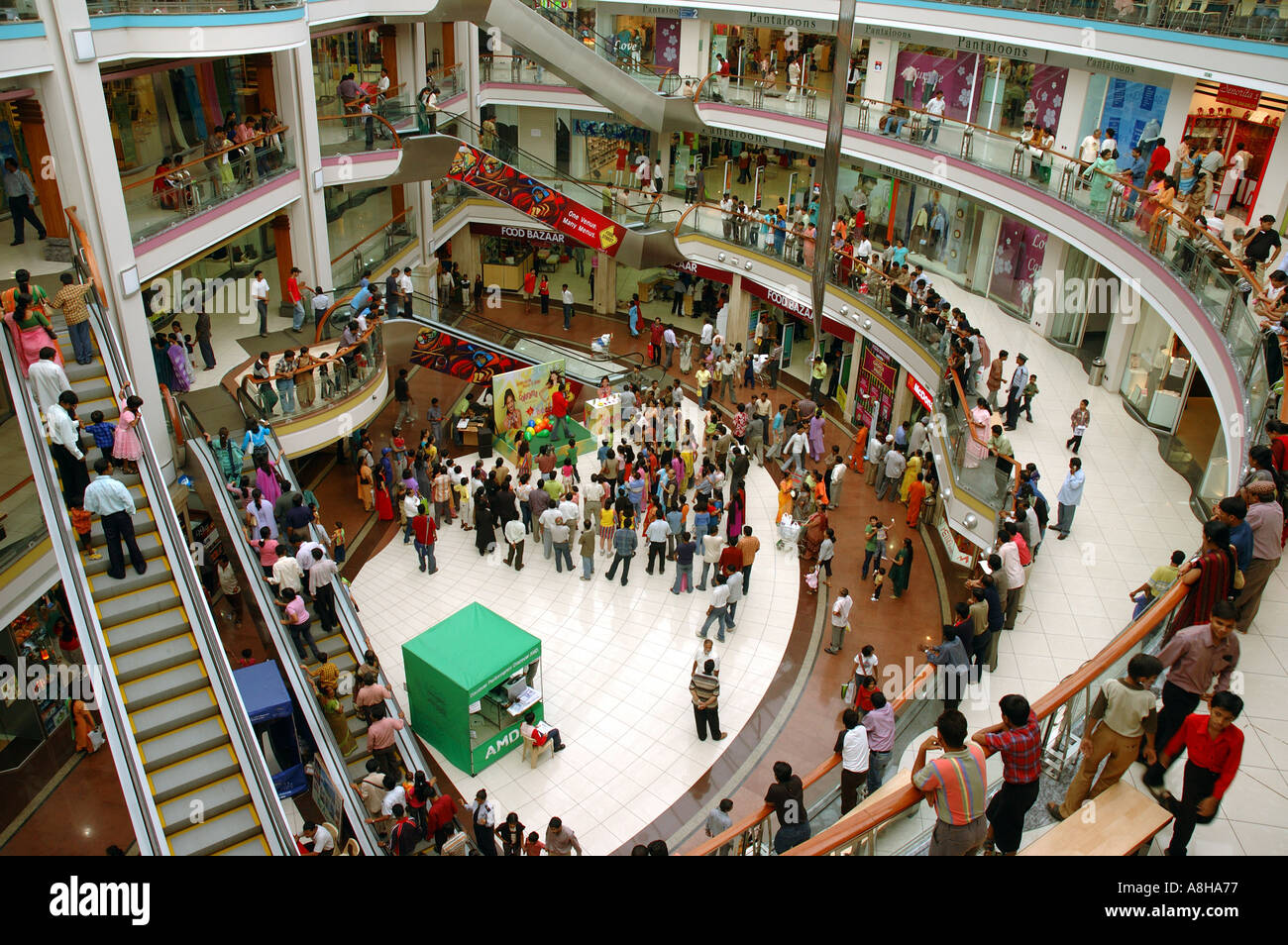 essay on shopping malls in india Why we go to malls strong essays: essay on shopping malls - shopping malls since industrialization pulled off the farm into the factory.