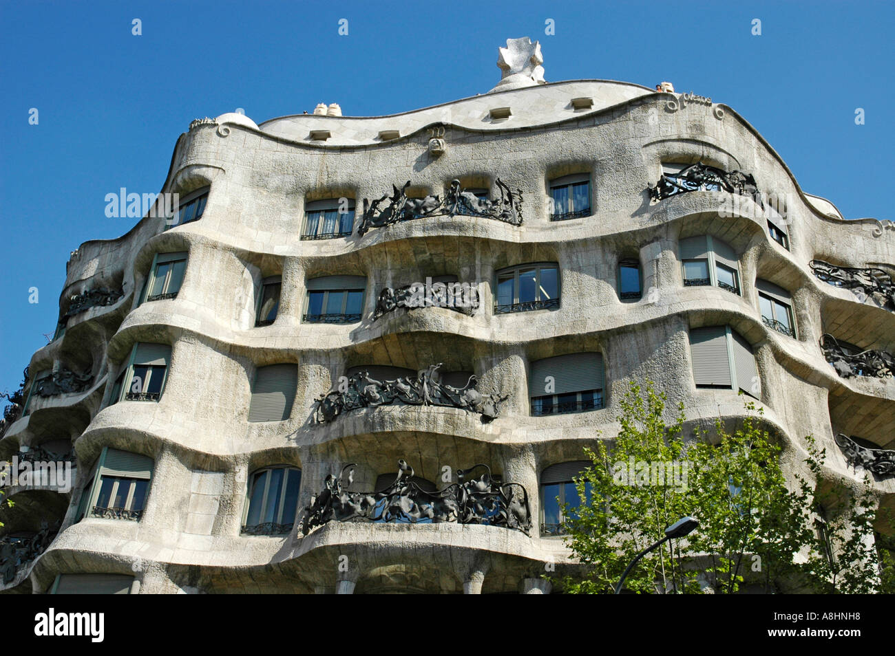 Hausfassade casa mila architekt antoni gaudi passeig de gracia stock photo royalty free - Architekt barcelona ...