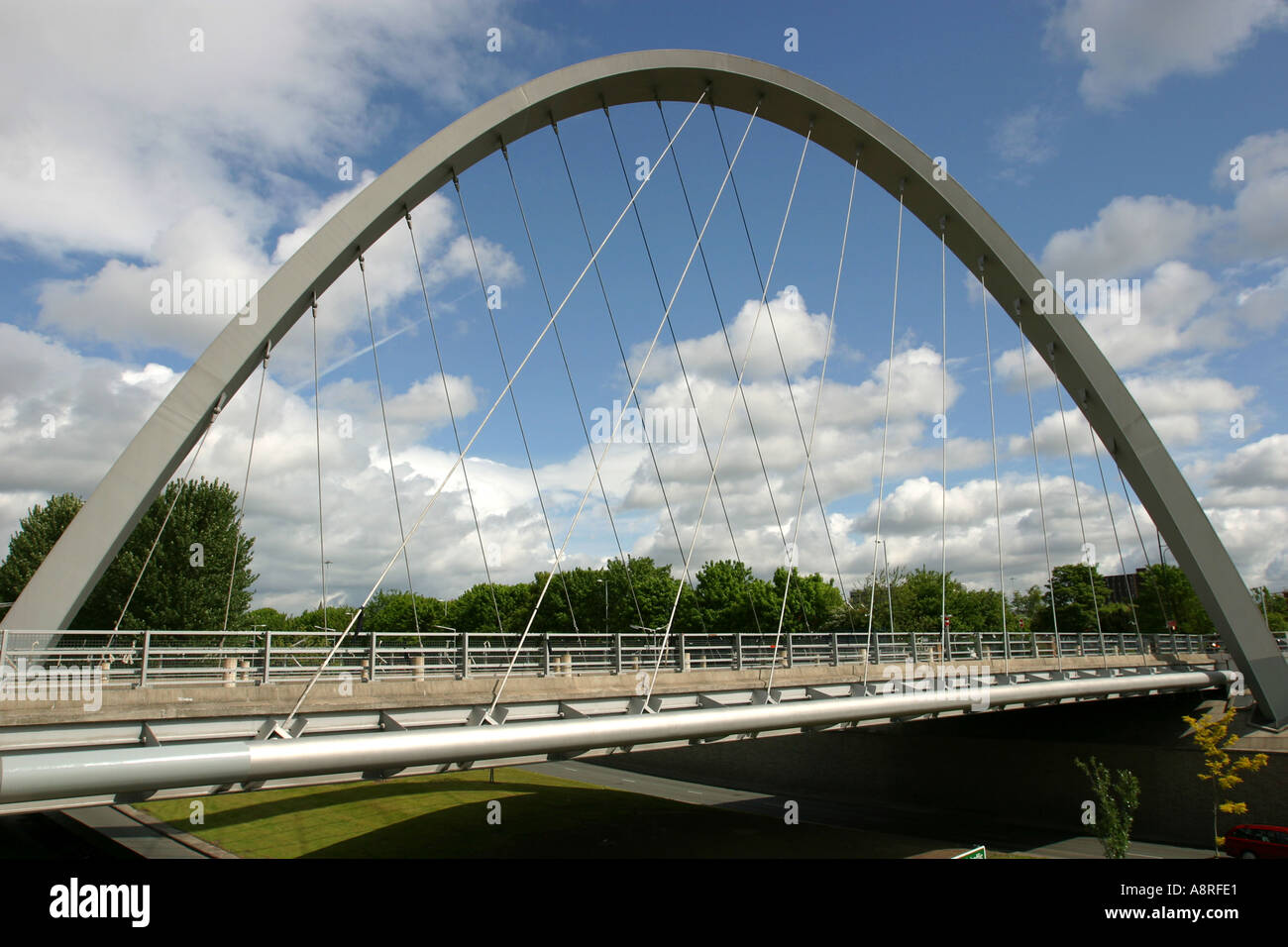 parabolic arch There isn't all the detailed triangulation, but the basic parabolic structure is a very good look a like also notice in the build that there are less horizontal blocks at the beginning of each arch, and then progressively longer rows of horizontal blocks towards the top.