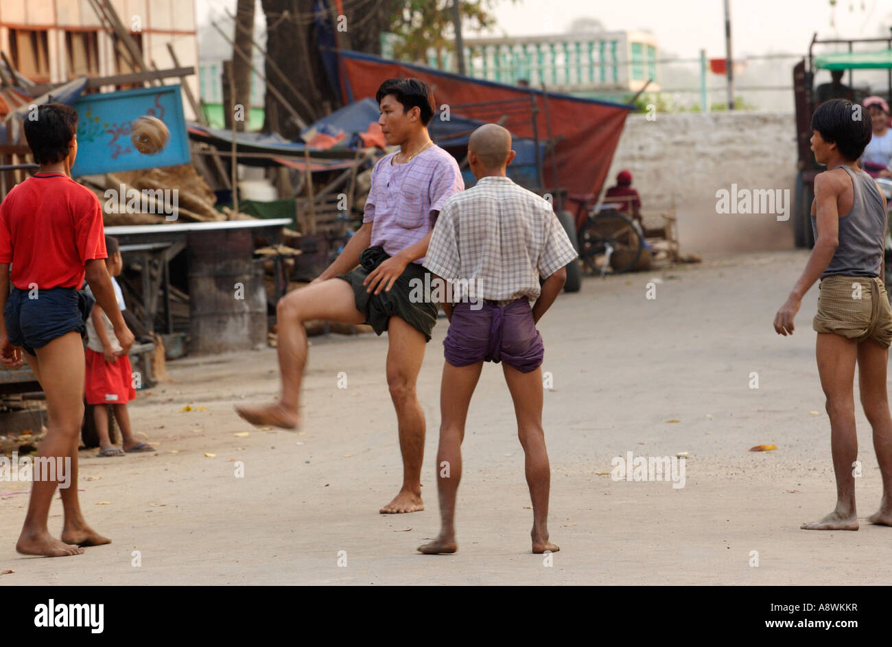 myanmar men