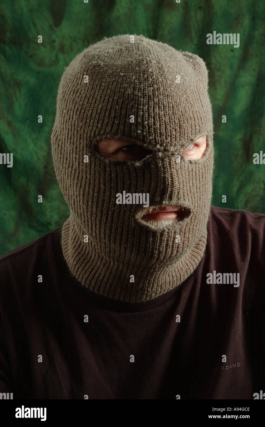 Guy in ski mask nice fuck