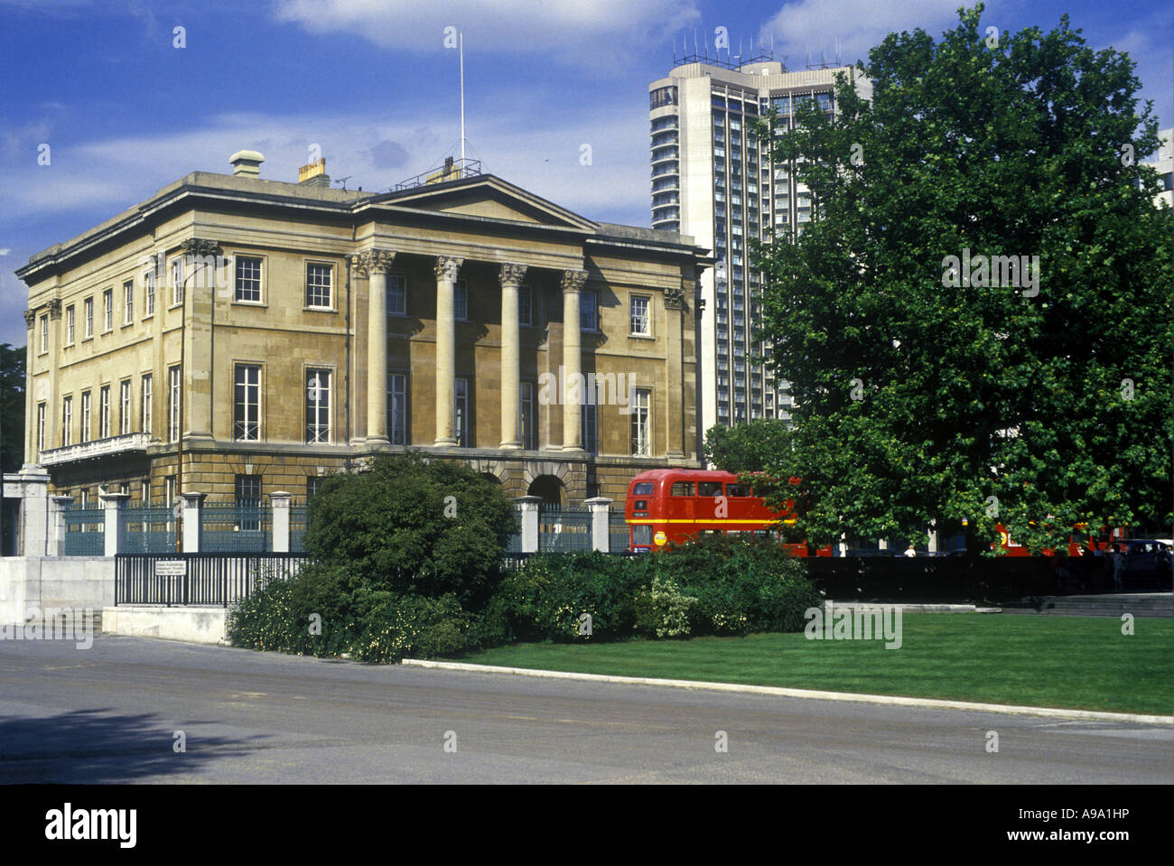 LORD NELSONS HOME NUMBER 1 LONDON APSLEY HOUSE HYDE PARK ENGLAND UK