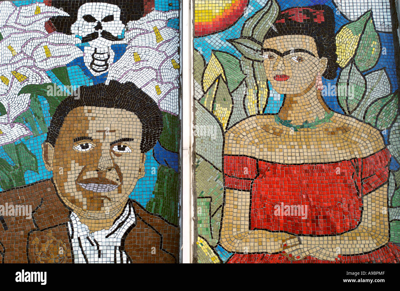 Frida kahlo and diego rivera adorn a mosiac mural in the for Diego rivera mural chicago