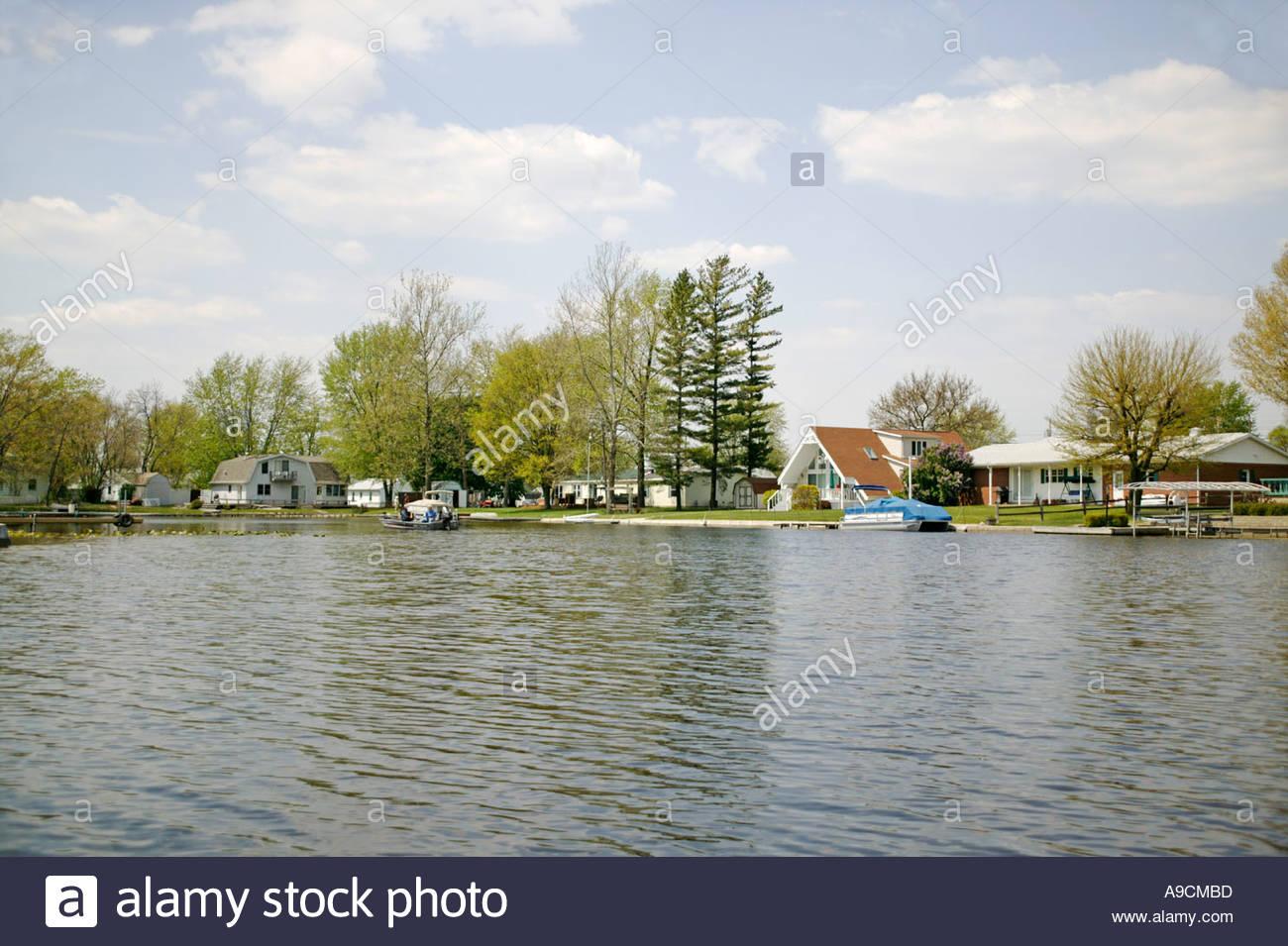 lake manitou rochester illinois lake living lifestyle with boat