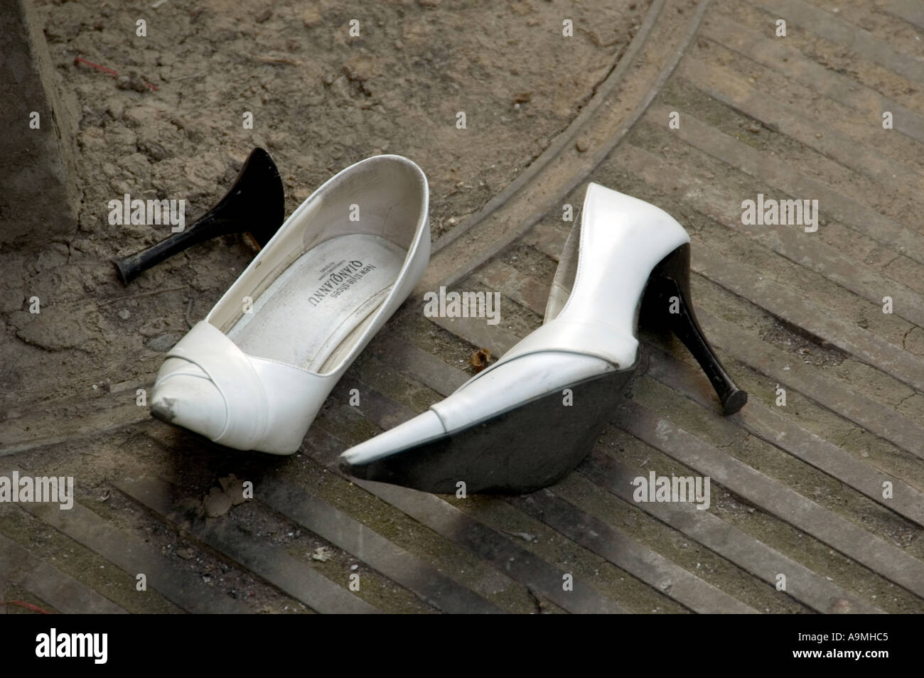 Women S Shoes Discarded