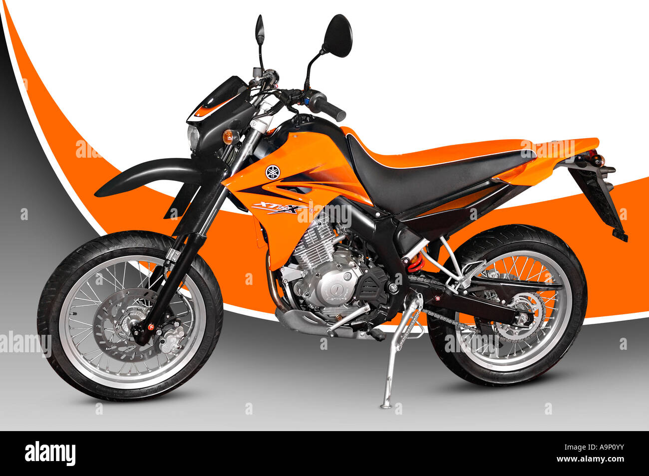 yamaha xt 125 motorcycle motorbike bike stock photo. Black Bedroom Furniture Sets. Home Design Ideas