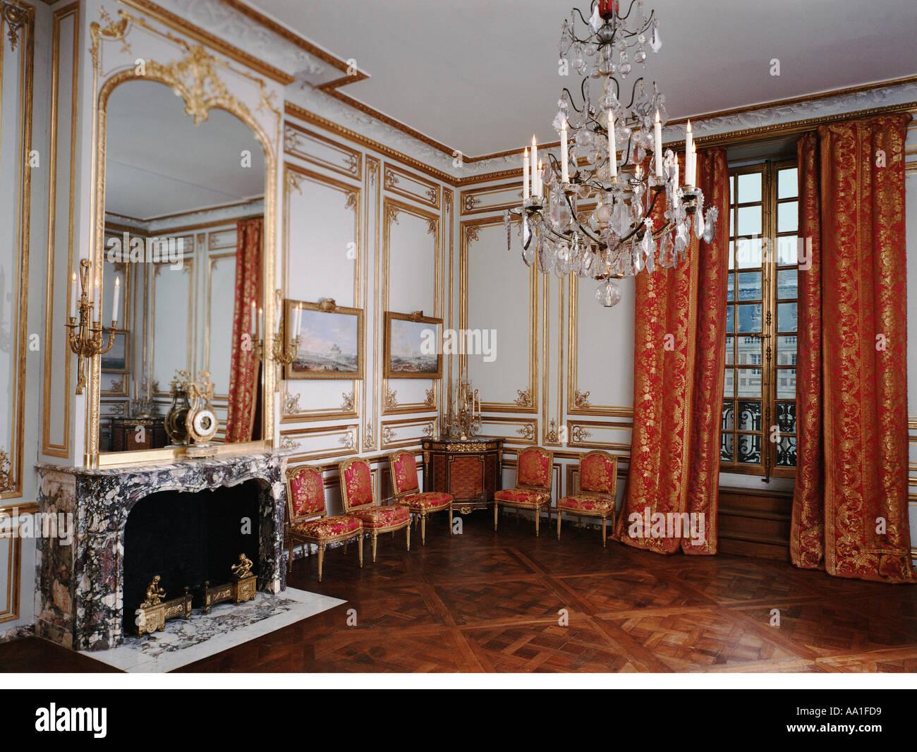 Palace of versailles salon des jeux stock photo royalty for Salon versailles