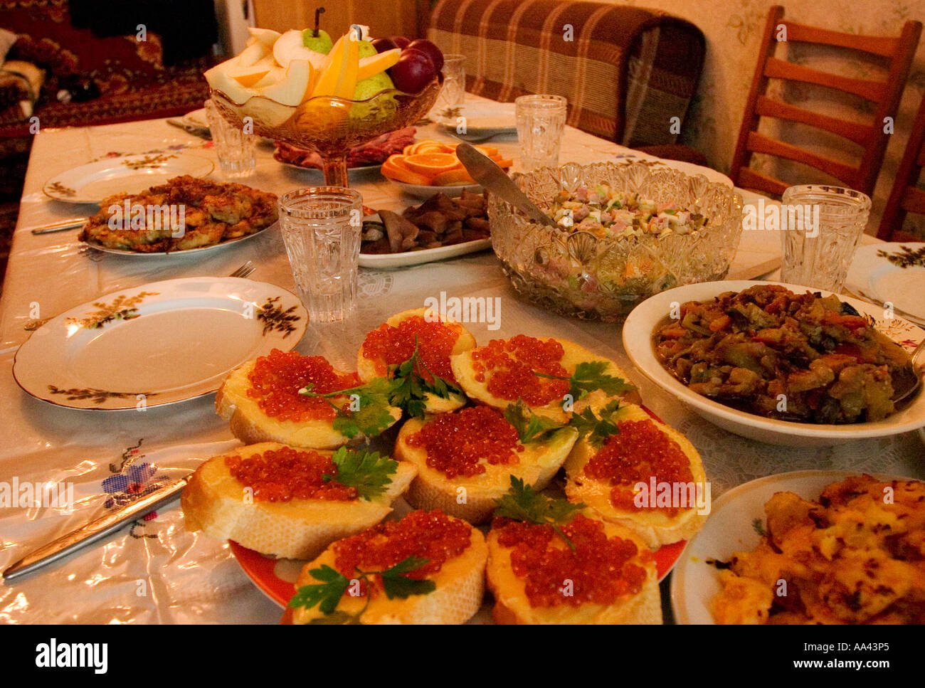 Traditional russian welcome food russian food on a table for Cuisine x roussien