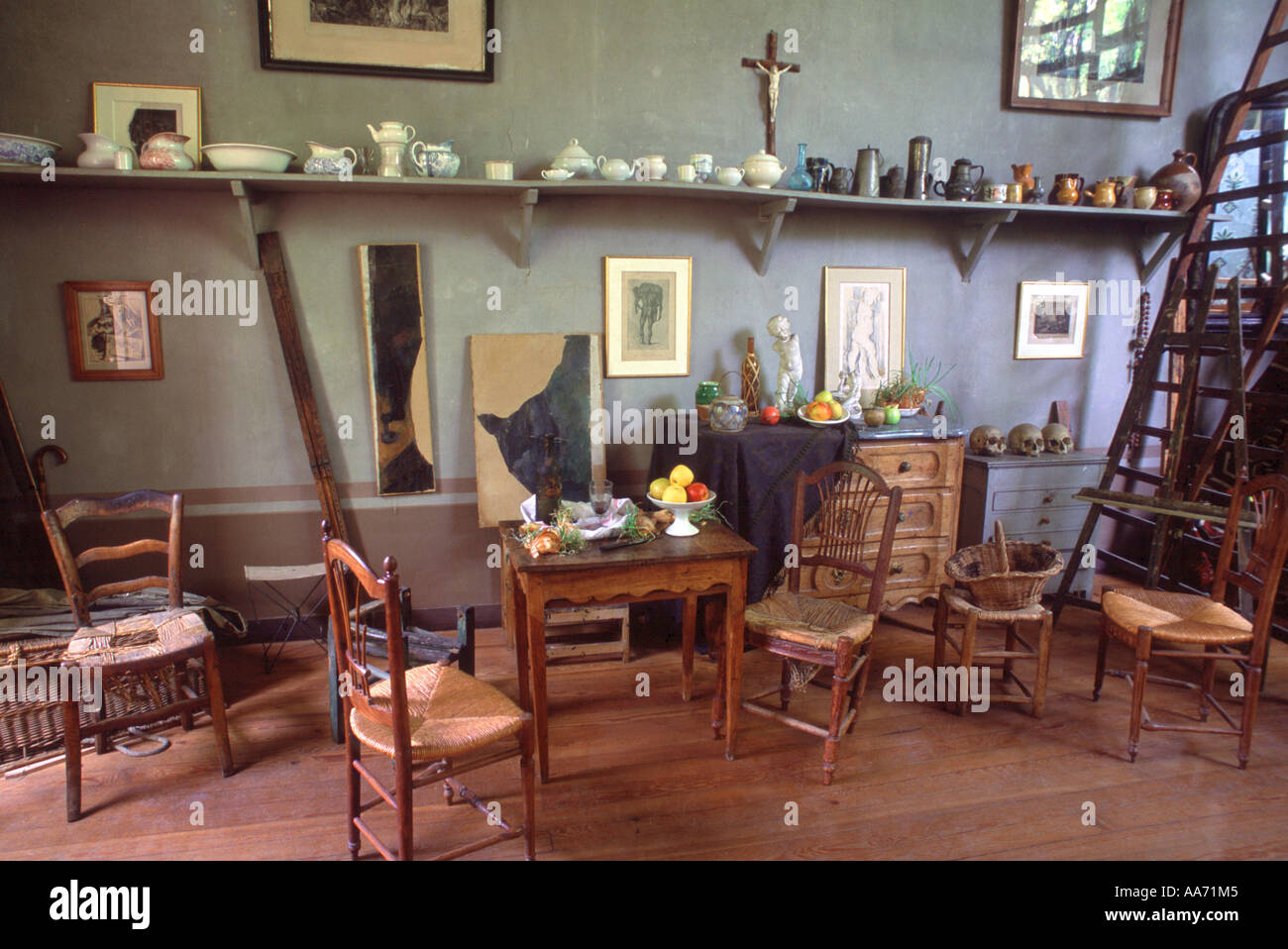 france aix en provence cezanne 39 s workroom at the atelier cezanne with stock photo royalty free. Black Bedroom Furniture Sets. Home Design Ideas