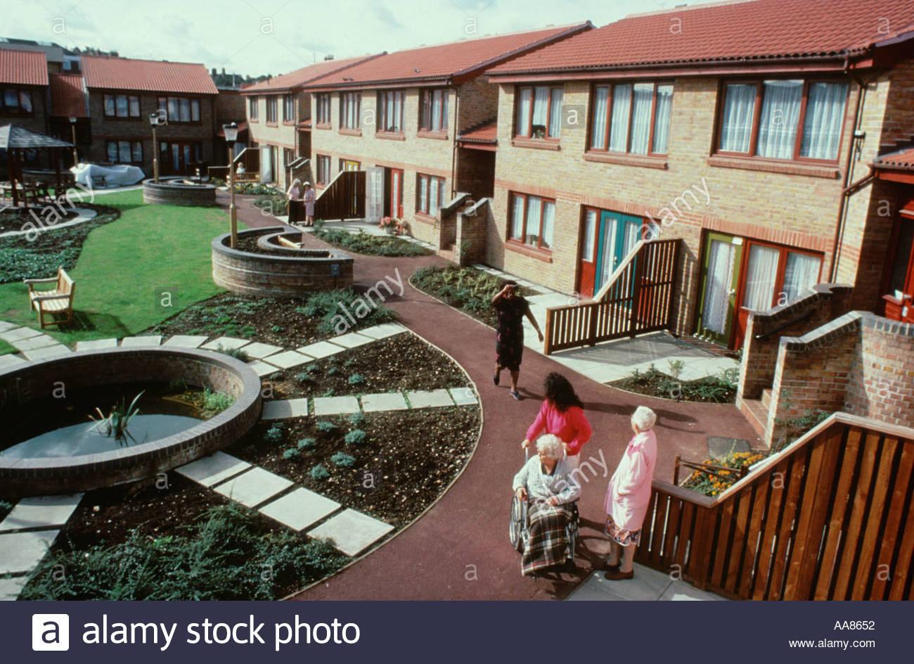 Sheltered housing scheme for elderly people hackney east for Home for handicapped