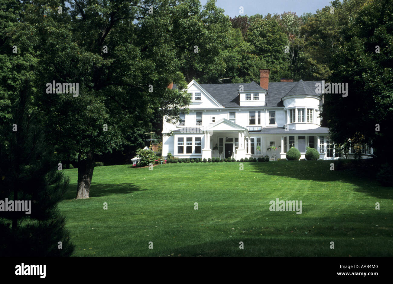 Typical country house in the berkshires massachusetts usa for Country house online