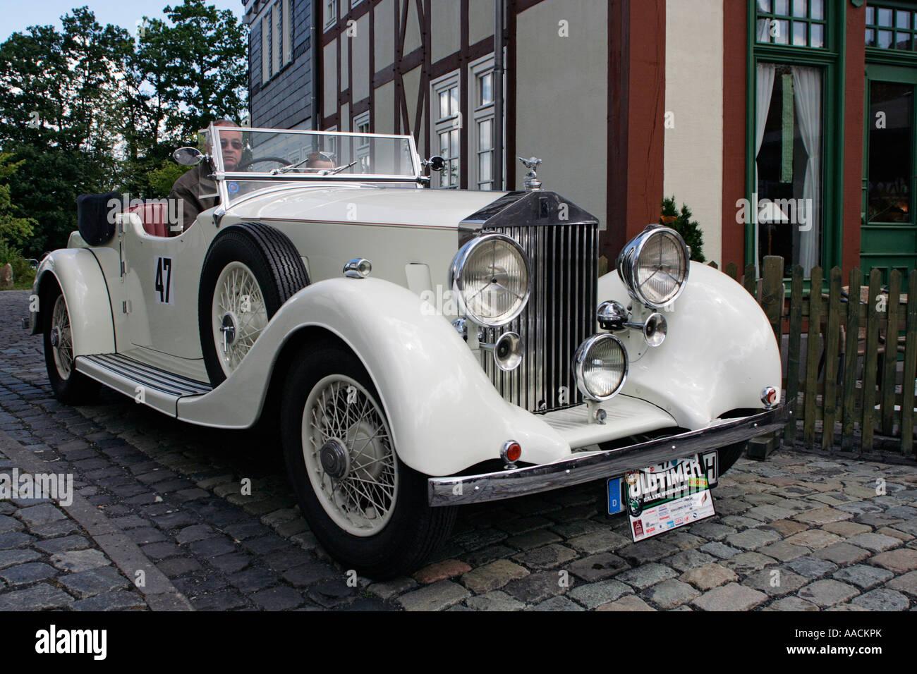 Damn!! Looks 1938 vintage hot. Love
