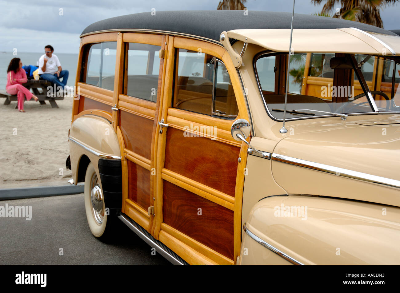 Southern California Classic: Woodies In Southern California, Classic Wood-panelled