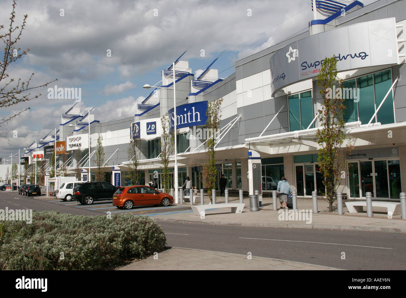 A fashion shop in Exeter's Princesshay Shopping Centre is about to close, and there's bargains galore. New Look Men is downsizing its stock and returning to its parent New Look store nearby.
