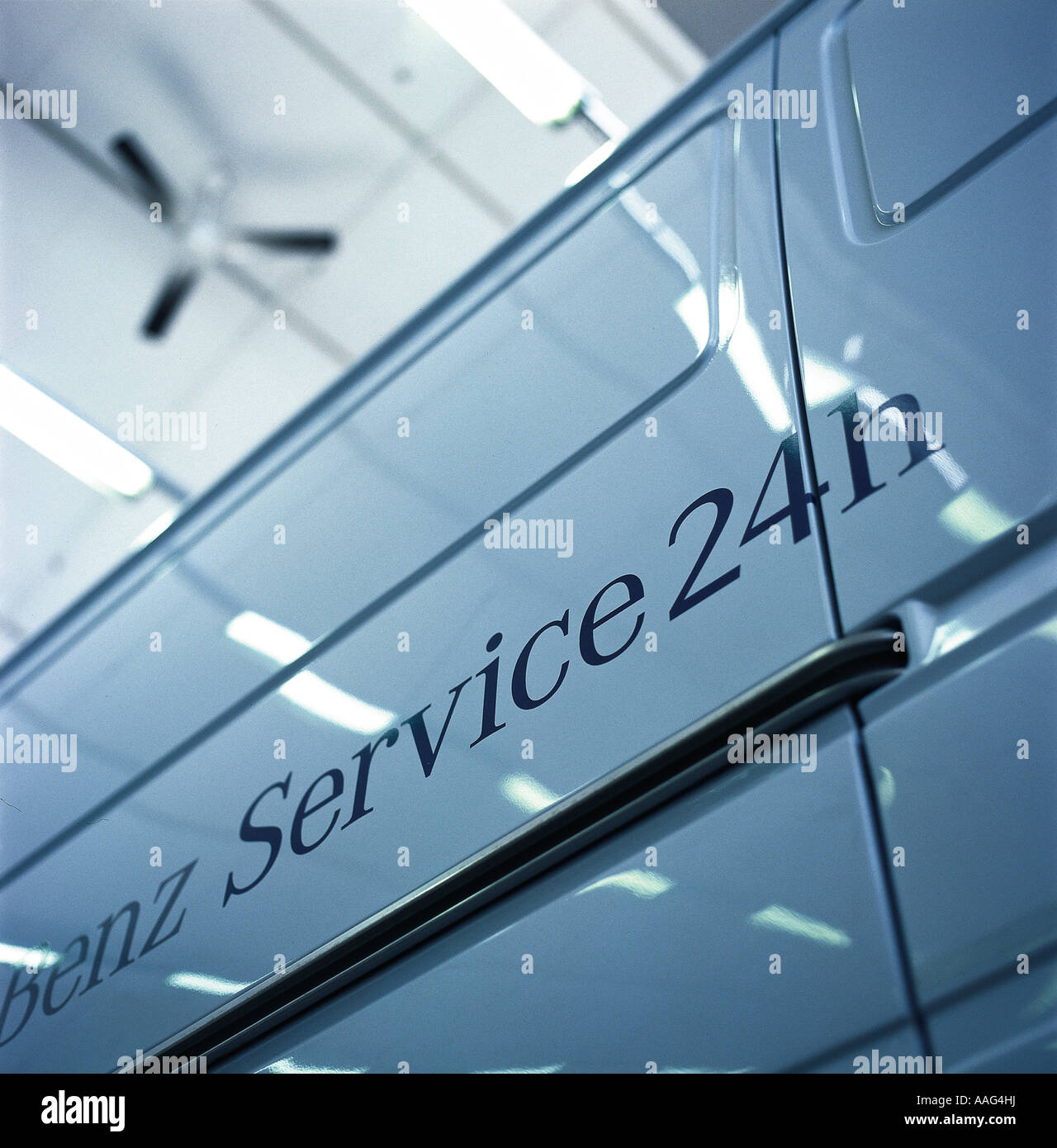 Mercedes benz 24hr service printed on the side of a van for Mercedes benz financial services jobs