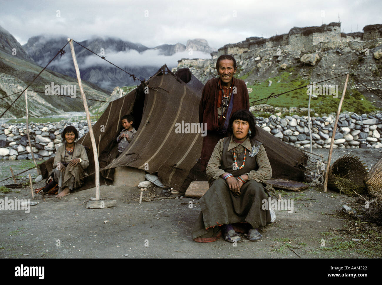DOLPO FAMILY of the Amchi Lama with their TENT HOUSE in front of CHHARKA VILLAGE DOLPO NEPAL  sc 1 st  Alamy & DOLPO FAMILY of the Amchi Lama with their TENT HOUSE in front of ...