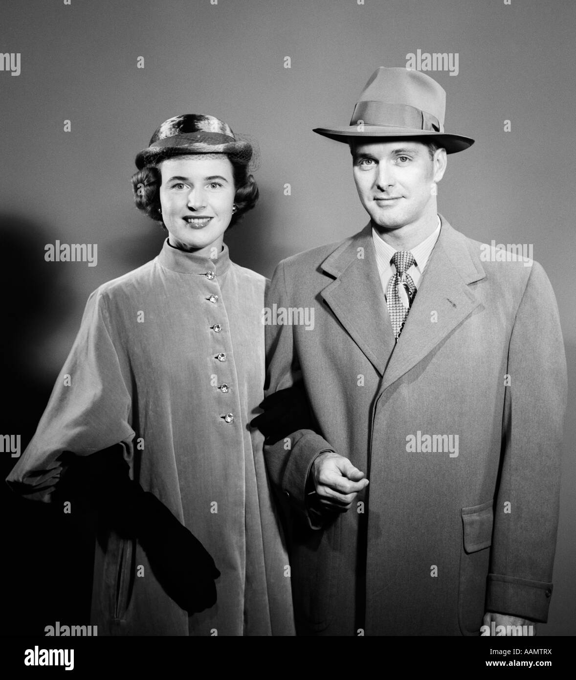 1940s 1950s COUPLE MAN WOMAN SIDE BY SIDE WEARING OUTDOOR ...