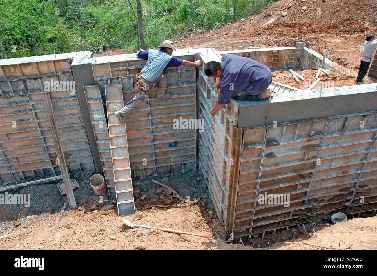 Taking down steel re usable house construction foundation for Cheapest house foundation
